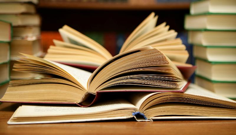 """""""Libri di Puglia"""" domani match letterario tra i romanzi """"Lettera a Léontine"""" e """"Abbracci"""""""
