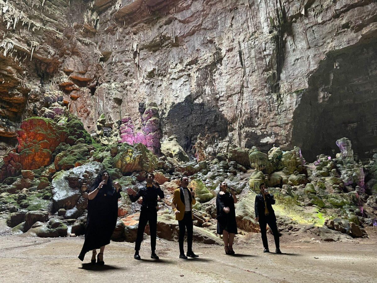 Grotte di Castellana, Mezzotono in concerto per Libano e Turchia