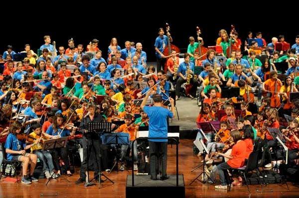 "A Bitonto i ""Carmina Burana"" di Carl Orff eseguiti dall'orchestra ""MusicaInGioco"""